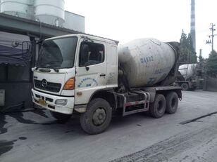شاحنة خلط الخرسانة HINO